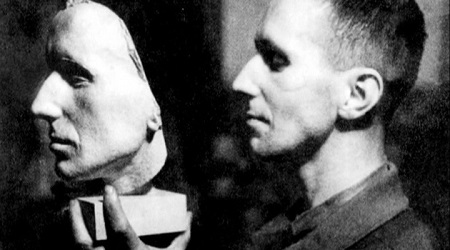 Brecht-and-Mask